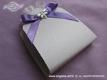 lavanda za vjenčanje s bijelim leptirom i ljubičastom mašnom