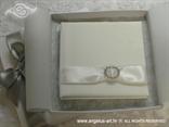 pozivnica za vjenčanje s brošem u kutiji